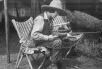Osa Johnson with gun_1928_300