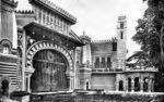Divadlo a park Alhambra po levé straně Piazza Beccaria, počátek 20. století